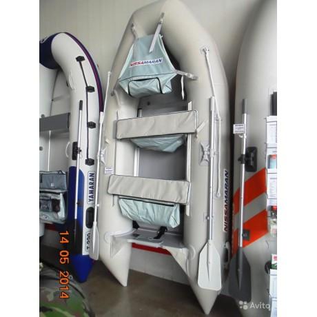 Лодка Nissamaran Musson 320, цвет серый