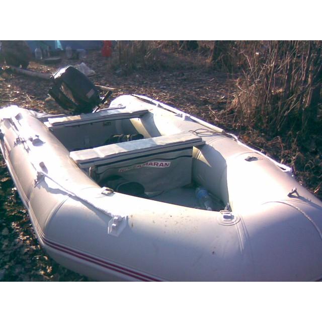 Лодка Nissamaran Musson 360, цвет серый